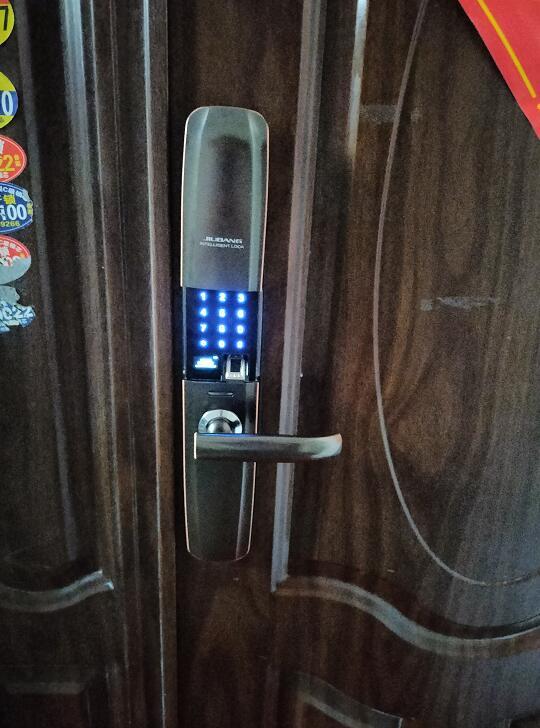 濮阳开发区开锁-联通佳苑业主安装久邦智能锁指纹密码锁高端品质精益求精