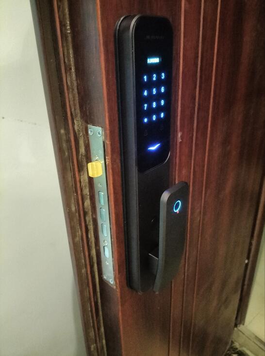 濮阳指纹密码锁批发-滨湖湾业主精挑细选久邦智能锁指纹密码锁X10全自动智能锁 看得见的好品质!